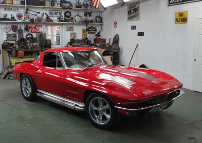 1963 Chevrolet Corvette Sting Ray (Split window convertible)